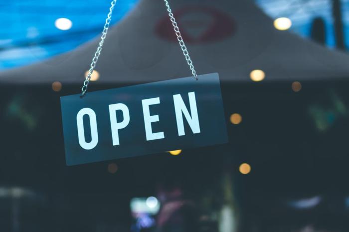 麗富康協理方思穎:「從未想過能成為老闆並擁有自己的店。」